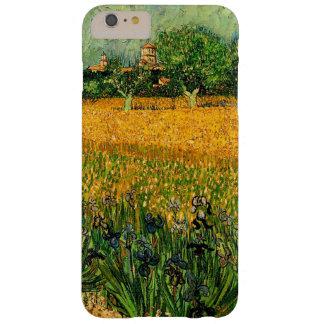 Vincent van Gogh-Vista de Arles con los iris Funda Barely There iPhone 6 Plus