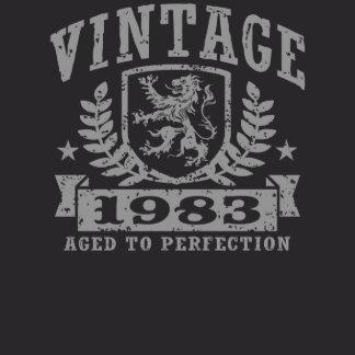 Busca en la colección de camisetas para cumpleaños y personaliza la tuya por diseño, talla, color o estilo.