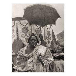 Vintage África, jefe, criado y sombrilla Postal