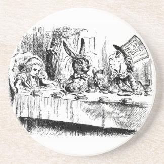 Vintage Alicia en fiesta del té enojada del país d Posavasos Diseño
