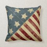 Vintage hecho en almohada de tiro de la bandera am