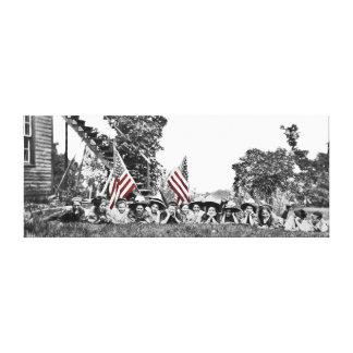 Vintage mujer circa la bandera americana impresión en lienzo