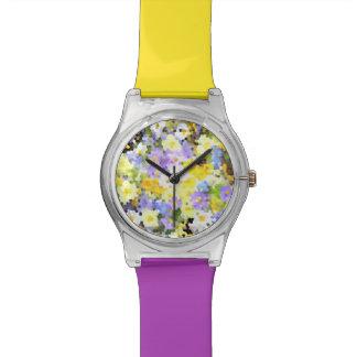 Violeta abstracta del amarillo de la flor de la pr relojes de pulsera