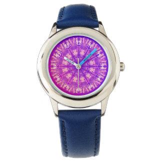 Violeta poner crema abstracta delicada de la relojes de pulsera