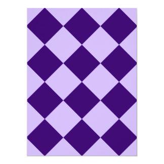 Violeta violeta y oscura de la Grande-Luz a Invitación 16,5 X 22,2 Cm