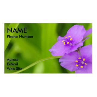 Violetas y tarjeta de visita del personalizar de