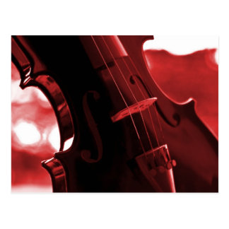 Violín en rojo y negro postal