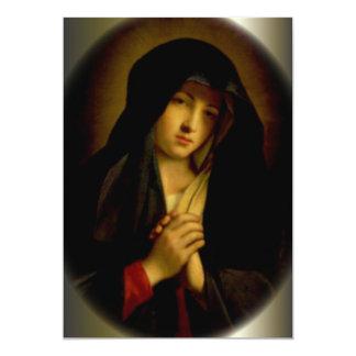 Virgen María triste con las manos dobladas Invitación 12,7 X 17,8 Cm