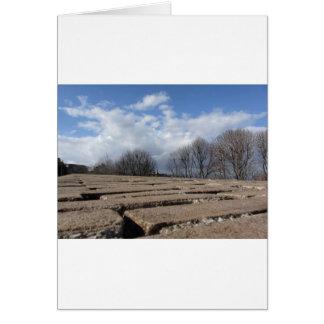 Visión panorámica desde las paredes medievales de tarjeta de felicitación