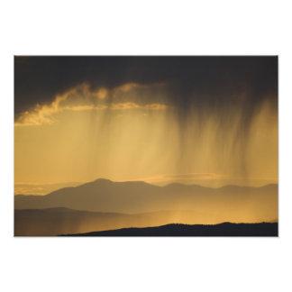 Visión sobre las colinas sucesivas a lo largo del  arte fotografico