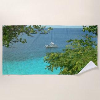 Vista al mar de Bonaire con la toalla de playa del