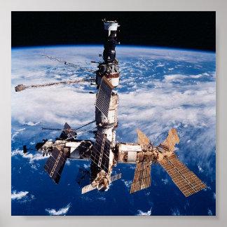 Vista de la estación espacial rusa del MIR de la Póster
