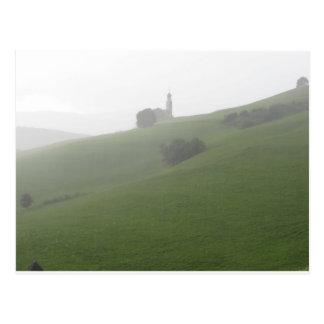Vista de la iglesia de San Valentino en un día Postal