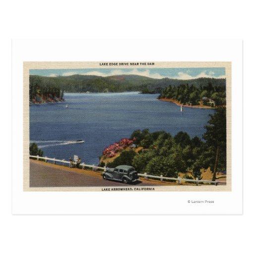 Vista de la impulsión del borde del lago cerca de tarjeta postal