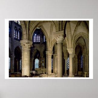 Vista de las columnas y de la bóveda en el ambulat póster