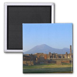 Vista de Vesuvio sobre las ruinas de Pompeya Imán Cuadrado