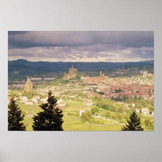 Vista panorámica del Le-Puy-en-Velay Póster