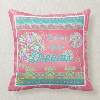 Vivos elegantes del rosa de BOHO inspirados Cojín Decorativo