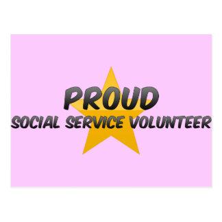 Voluntario orgulloso del servicio social postal