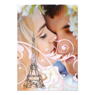 Volutas y torre Eiffel rosadas Invitaciones Personalizada