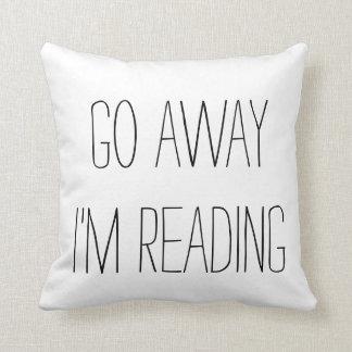 voy lejos estoy leyendo la almohada de tiro