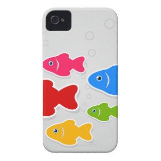 Vuelo de fishes3 funda para iPhone 4 de Case-Mate
