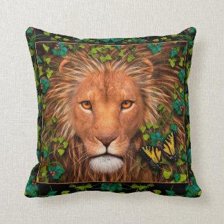 Vuelta del rey Designer Pillow Cojín Decorativo