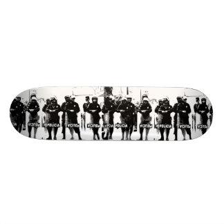 W.M. Cubierta del monopatín - edición de Policia
