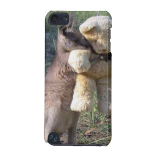 Wallaby lindo que abraza el caso teddybear del carcasa para iPod touch 5
