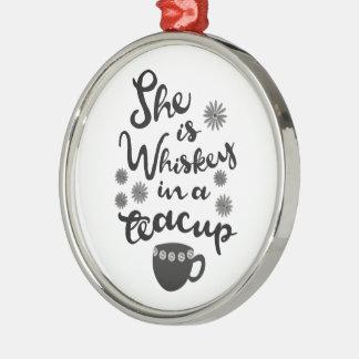 Whisky en un ornamento del premio de la taza de té