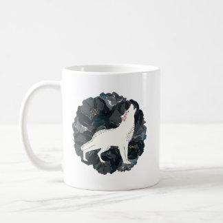 White Wolf en círculo de la taza negra de los