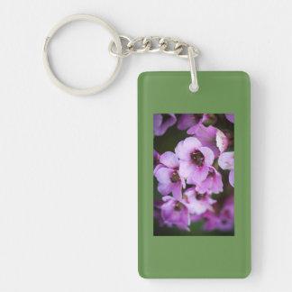 Wildflowers púrpuras llavero rectangular acrílico a doble cara