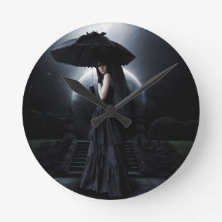 Women gothic moon reloj redondo mediano