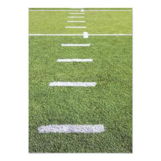 Yardlines en campo de fútbol invitación 12,7 x 17,8 cm