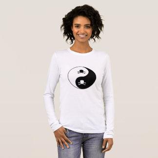 Yin y cráneos de yang camiseta de manga larga