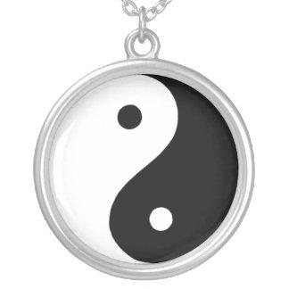 Yin/Yang Collar Plateado