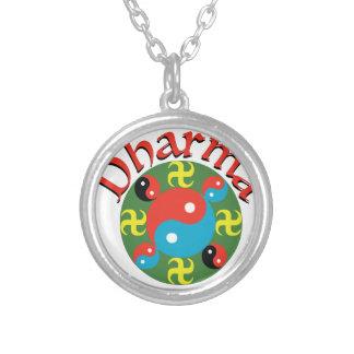 Yin Yang Dharma Collar Plateado