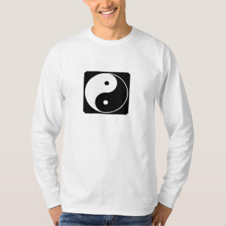 yin yang en yin camisetas