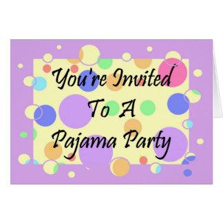 You' re invitada a un fiesta de pijama tarjeta de felicitación