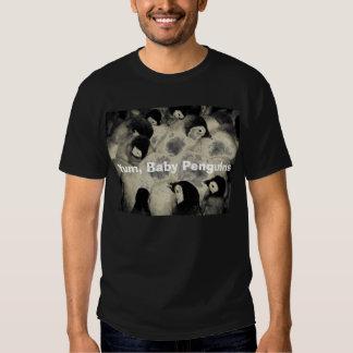 Yum, pingüinos del bebé camisetas