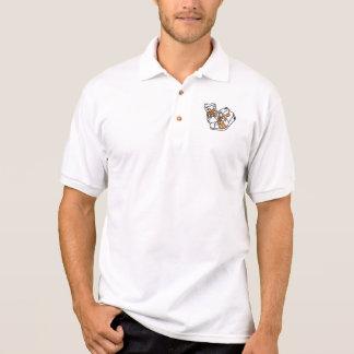 zapatillas de deporte anaranjadas y blancas del camiseta polo