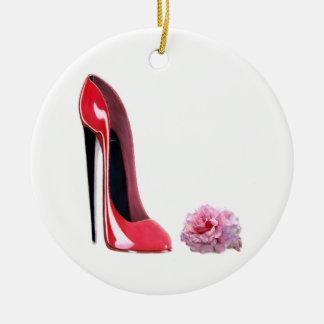 Zapato rojo del estilete y ornamento color de rosa ornamentos de reyes