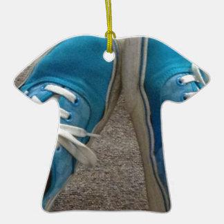 zapatos de las furgonetas azules adorno de cerámica en forma de camiseta