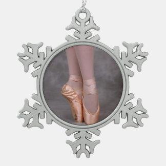 Zapatos del punto de la bailarina adorno de peltre en forma de copo de nieve