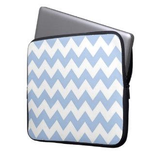 Zigzag azul claro y blanco mangas portátiles