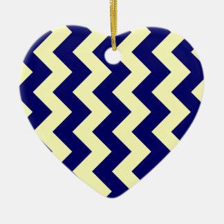 Zigzag I - Amarillo y azul marino eléctricos Adorno De Cerámica En Forma De Corazón