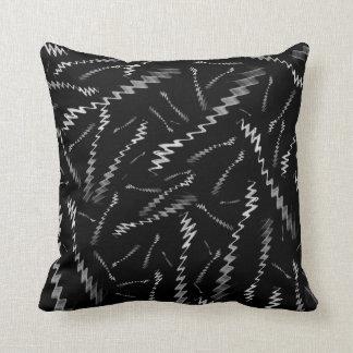 Zigzags blancos negros cojín decorativo